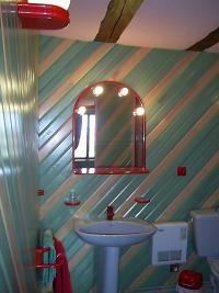 salle de bain chambre verte